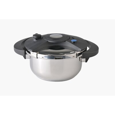 Eclipse Pressure Cooker Size: 4.25 quart