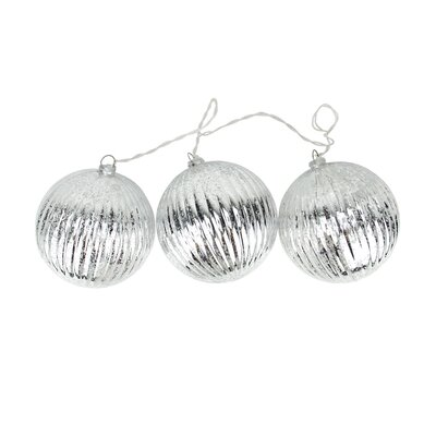 Ribbed Ball Christmas Ornaments Color: Silver