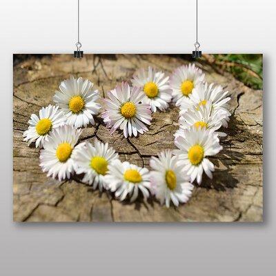 Big Box Art 'Daisy Heart Chain No.1' Photographic Print