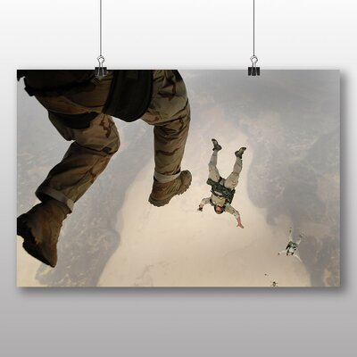 Big Box Art Skydiving Soldiers Photographic Print on Canvas