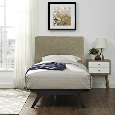 Hannigan Twin Platform Bed Color: Latte
