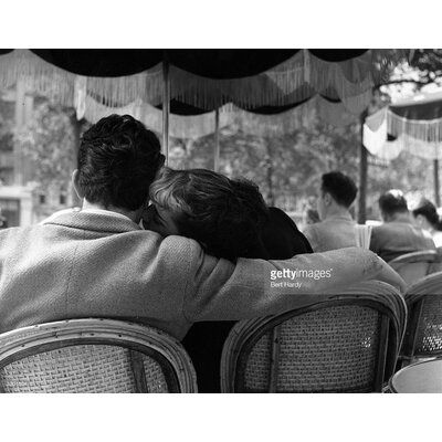 GettyImagesGallery Parisian Lovers by Bert Hardy Photographic Print