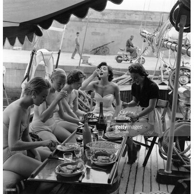 GettyImagesGallery Lunch Time Five by Bert Hardy Photographic Print