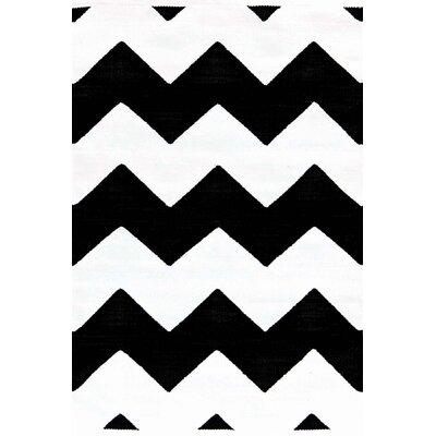 Dash & Albert Europe Chevron Black White Indoor/Outdoor Area Rug