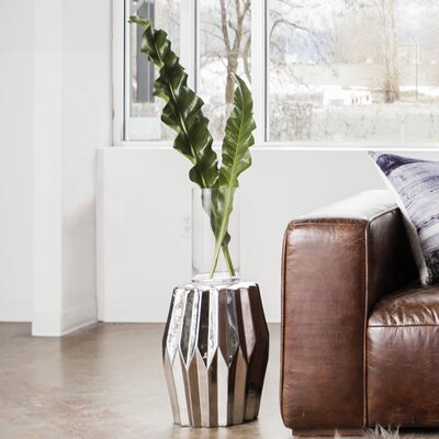 Arla Column Stool
