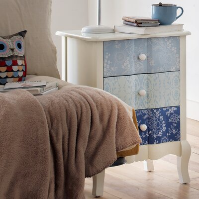 Geese Bedside table with 3 drawers
