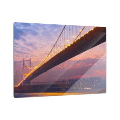 Klebefieber Brücke im Lichterschein Cutting Board