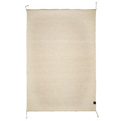 Classic Collection Hand-Woven Natural Grey Area Rug