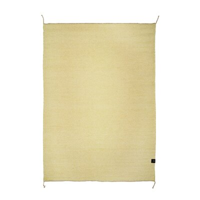 Classic Collection Hand-Woven Custard Area Rug