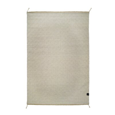 Classic Collection Hand-Woven Glacier Grey Area Rug