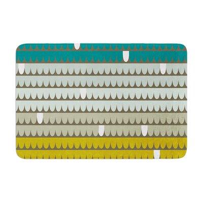 "Scallops by Pellerina Design Bath Mat Size: 17""W x 24""L"