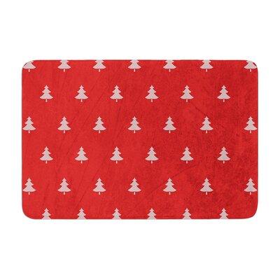 "Snap Studio Pine Pattern Memory Foam Bath Rug Size: 0.5"" H x 24"" W x 36"" D, Color: Red"