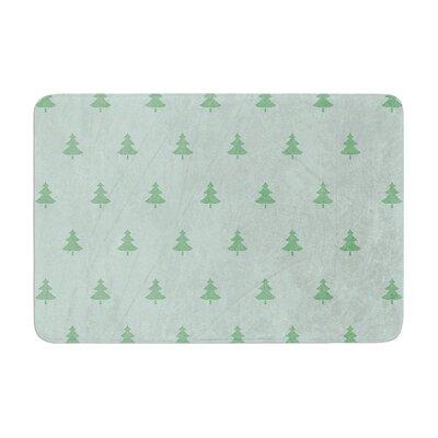 "Snap Studio Pine Pattern Memory Foam Bath Rug Size: 0.5"" H x 24"" W x 36"" D, Color: Green"