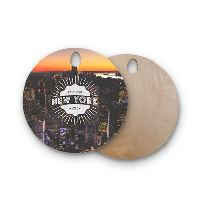 Birchwood New York Cutting Board Shape: Round