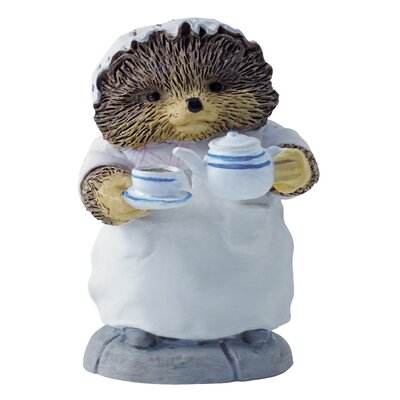 Beatrix Potter Mrs Tiggy Winkle Pouring Tes Figure