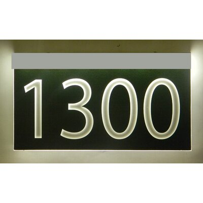 1-Line Lawn Address Sign Plaque Color: Black, Top Finish: Silver