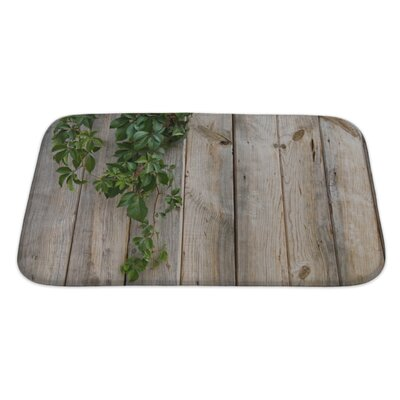 Wood Wall Leaves Bath Rug Size: Large