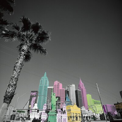 """DEInternationalGraphics """"New York on Vegas"""" von Anne Valverde, Fotodruck"""