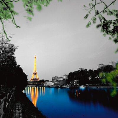 """DEInternationalGraphics """"Eiffel Reflect"""" von Anne Valverde, Fotodruck"""