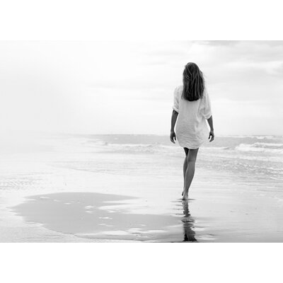 """DEInternationalGraphics """"Walking on a White Beach"""" von Marco Milillo, Fotodruck"""