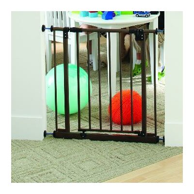 Easy Close Safety Gate Color: Bronze