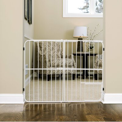 "Expandable Pet Gate Size: Extra Tall (32"" H x 26-42"" W x 1"" D)"