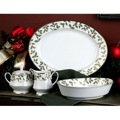 Noritake Holly and Berry Gold 5 Piece Completer Set