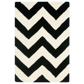 Newport Rug in Black