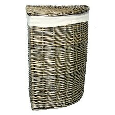 Hamper with Corner Linen