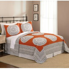 Artistic 3 Piece Full/Queen Quilt Set