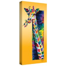 'Giraffe Eating' by Linzi Lynn Graphic Art on Wrapped Canvas