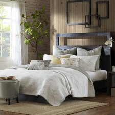 Pacific 3 Piece Quilt Set