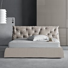 Impunto Upholstered Platform Bed