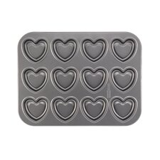 Non-Stick 37.81 cm Carbon Steel Heart Cookie Pan