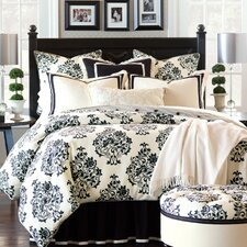 Evelyn Polyester Hand-Tacked Comforter