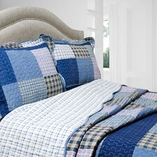 Vintage 3 Piece Reversible Quilt Set in Mulberry