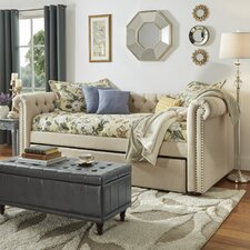 New Britain Daybed with Trundle