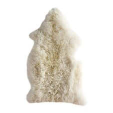 Handgefertigtes Lammfell in Creme