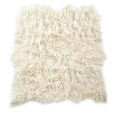 Icelandic 6 Pelt White Area Rug