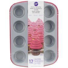 Non-Stick Covered Muffin Pan