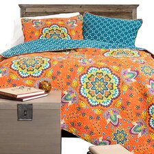 Lylee 3 Piece Reversible Quilt Set in Paisley