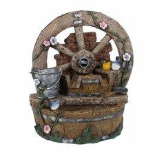 Brunnen in Holzoptik mit Deko-Rad