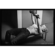 'Marilyn Monroe - Hollywood Legend Sexy Working Out Lifting Weights' Framed Photographic Print