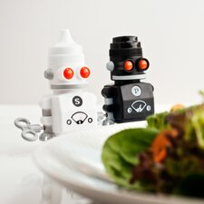 Salt & Pepper Bots Shaker Set