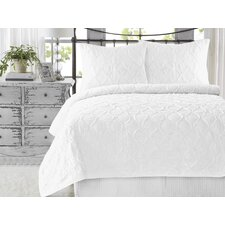 Wavy Ruffled 3 Piece Quilt Set