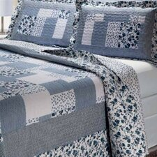 Periwinkle Dash 3 Piece Quilt Set