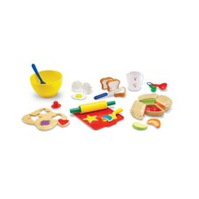 31 Piece Pretend and Play Bakery Set