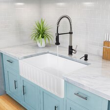 Edison Single Handle Pull-Down Spray Kitchen Faucet and Matte Black