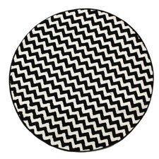Kinder Chevron Ivory/Black Area Rug