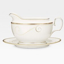 Golden Wave 18 oz. Gravy Boat with Tray